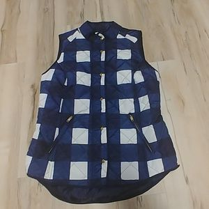 Crown and Ivy - Plaid Puffer Vest - White & Blue